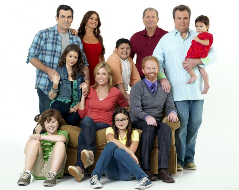modern family tv show Tv show modern family (season 1, 2, 3, 4, 5, 6, 7, 8, 9, 10) download full episodes in mp4 mkv avi and watch in hd (720p) quality free, without registration.