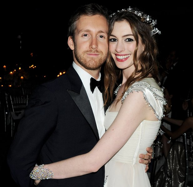 Anne Hathaway And Husband Wedding: Anne Hathaway Gives Birth To A Baby Boy
