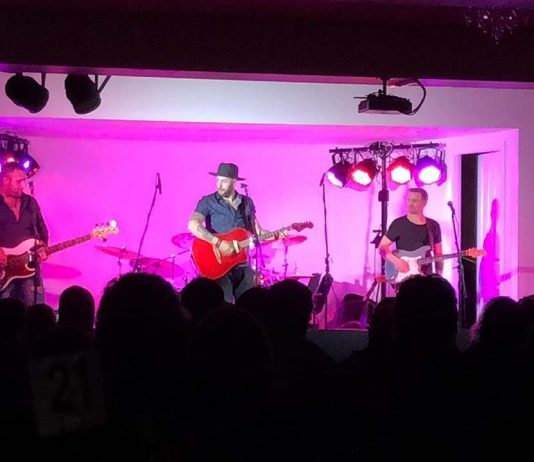 The Wolfe Brothers LIVE