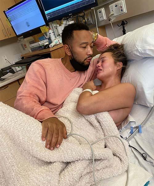 Chrissy Teigen & John Legend Baby Loss